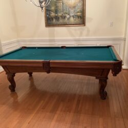 Olhausen 9 foot pool table excellent condtion